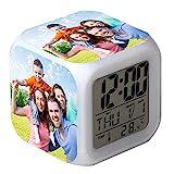 Alarma digital personalizada de 7 colores con cambio de LED, reloj de alarma digital con foto personalizada Reloj LCD de cubo brillante nocturno con luz para niños Mujeres Dormitorio Decoración
