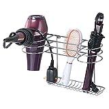 mDesign Soporte para secador de pelo para colgar en la pared – Ideal para artículos de peluquería como el secador o el rizador – Repisa de baño de metal con 2 cestas y un estante – plateado